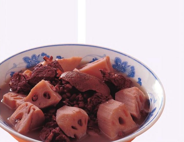 蓮藕紅豆煲牛𦟌 ( Lotus Root&Beef soup )
